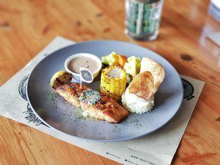 Foto 2 - Makanan(Grilled cod fish) di Cutt & Grill oleh foodstory_byme (IG: foodstory_byme)