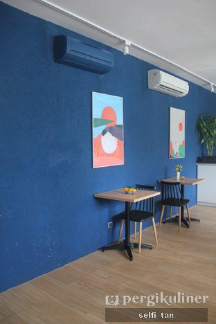 Foto 2 - Interior di Ardent Coffee oleh Selfi Tan