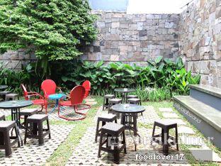 Foto 9 - Interior di Kaffeine Kline oleh Sillyoldbear.id
