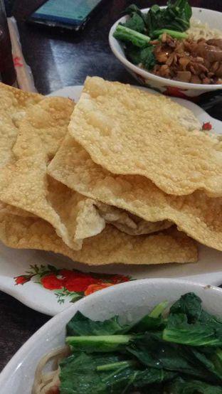 Foto 2 - Makanan(pangsit goreng) di Mie Ayam Gondangdia oleh Clara Stephanie