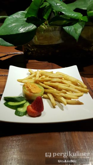 Foto 3 - Makanan(French Fries) di The Valley Bistro Cafe oleh UrsAndNic