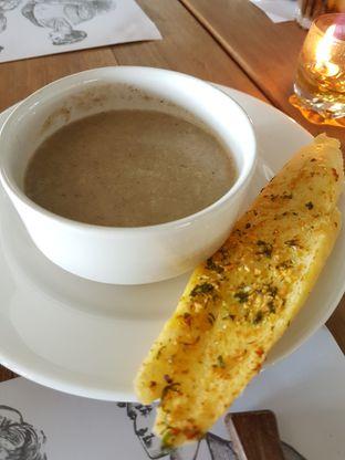 Foto 2 - Makanan di Public House oleh Olivia @foodsid