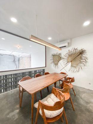 Foto 8 - Interior di Lanell Coffee oleh houseofoodies