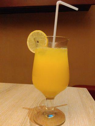 Foto 1 - Makanan(Orange Juice (IDR 35K) ) di Cali Deli oleh Renodaneswara @caesarinodswr