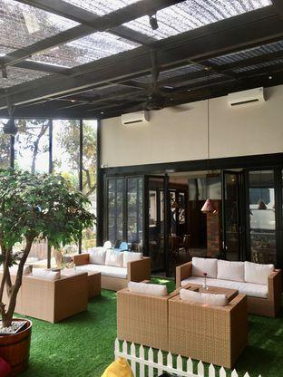 Foto 12 - Interior di Kode-in Coffee & Eatery oleh Prido ZH