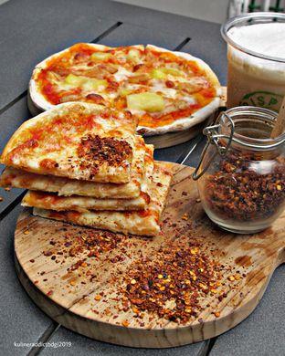 Foto review Crispy Pizza oleh Kuliner Addict Bandung 2