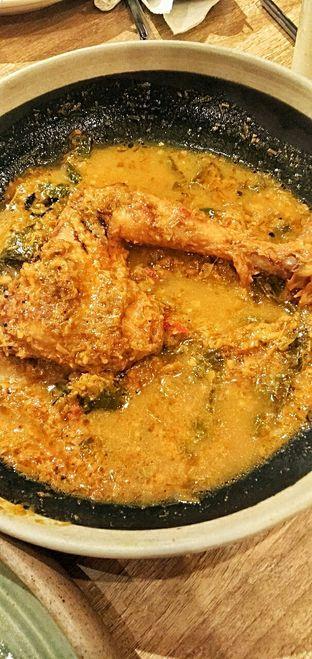 Foto 6 - Makanan(nasi ayam betutu) di Taliwang Bali oleh duocicip