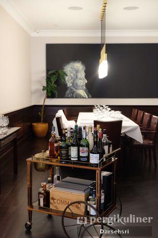 Foto 4 - Interior di Chicory European Patisserie oleh Darsehsri Handayani