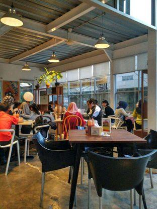Foto 6 - Interior di Warung Pasta oleh ibnu maroghi