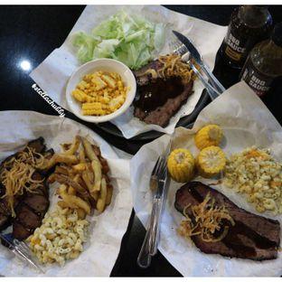 Foto 1 - Makanan di Holy Smokes oleh Stellachubby