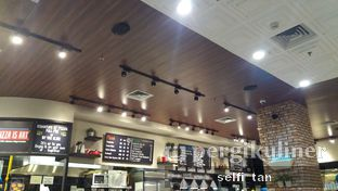 Foto 4 - Interior di The Kitchen by Pizza Hut oleh Selfi Tan