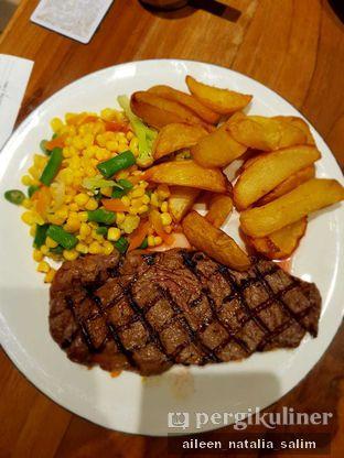 Foto 2 - Makanan di Abuba Steak oleh @NonikJajan