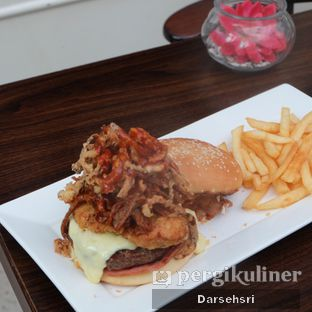 Foto review Willie Brothers Steak and Cheese oleh Darsehsri Handayani 3