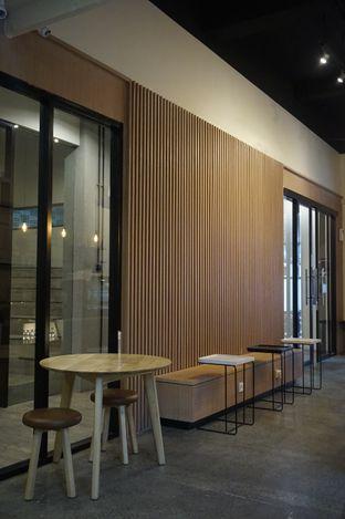 Foto 16 - Interior di Honey Beans Coffee & Roastery oleh yudistira ishak abrar