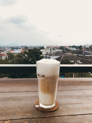 Foto review By Ludwick oleh Sri Yuliawati 2