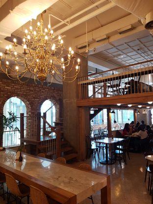 Foto 6 - Interior di Sajiva Coffee Company oleh Andry Tse (@maemteruz)