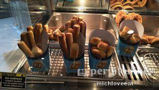 Foto 1 - Makanan di Auntie Anne's oleh Mich Love Eat