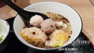 Foto 1 - Makanan(Bakso Campur) di Gopek Restaurant oleh UrsAndNic