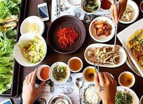 Sebelum Makan di Restoran Korea, Ketahui Dulu Etika Makan dari Negeri Ginseng Ini