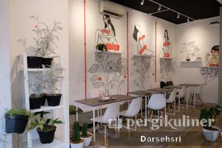 Foto 3 - Interior di Toko Kopi Roompi oleh Darsehsri Handayani
