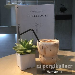 Foto 3 - Makanan(Iced Caramel Mocha) di Threelogy Coffee oleh Monique @mooniquelie @foodinsnap