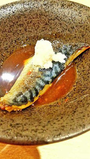 Foto 25 - Makanan(Saba Misoni) di Kappa Sushi oleh duocicip