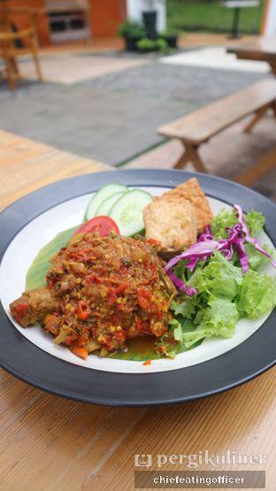 Foto 2 - Makanan(Ayam Woku Manado) di Paradigma Kafe oleh Cubi