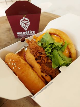 Foto review WoodFire Gourmet Burger oleh Kuliner Limited Edition 2