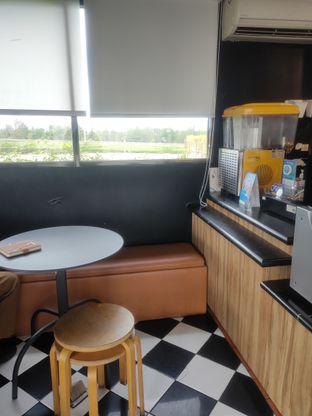 Foto 6 - Interior di Saint Cinnamon & Coffee oleh Makan Terus