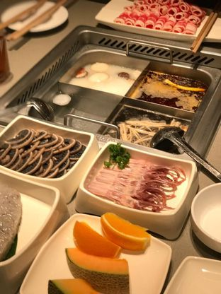 Foto 2 - Makanan di Haidilao Hot Pot oleh Makan2 TV Food & Travel