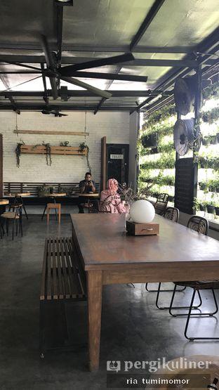 Foto 2 - Interior di Popolo Coffee oleh Ria Tumimomor IG: @riamrt