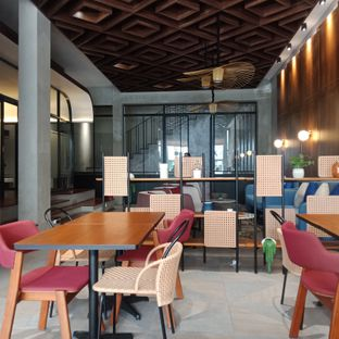 Foto 7 - Interior di Goodman Coffee Bar oleh Fensi Safan