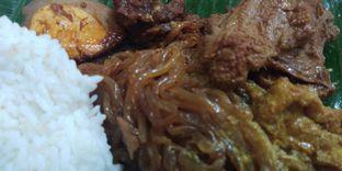 Foto - Makanan di Depot Nasi Campur Pojok Tambak Bayan oleh Ulee