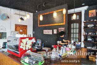 Foto 7 - Interior di Identic Coffee oleh Anisa Adya