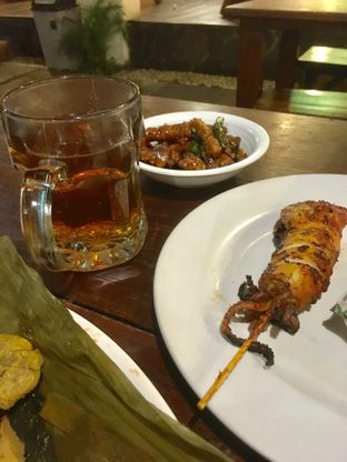 Foto 2 - Makanan di Warung Nasi Ampera oleh Prido ZH