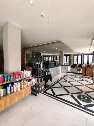 Foto 5 - Interior di Starbucks Reserve oleh n satrya