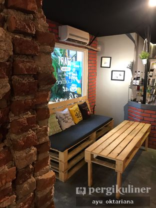 Foto 9 - Interior di 2 Grams Coffee & Meals oleh a bogus foodie