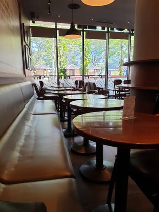 Foto 3 - Interior di Maxx Coffee oleh Hendry Jonathan