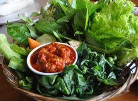 Aneka Sayuran yang Paling Pas di Jadikan Lalapan Pendamping Sambal