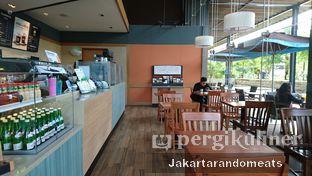 Foto 9 - Interior di Caribou Coffee oleh Jakartarandomeats