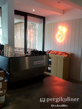 Foto 4 - Interior di Woodpecker Coffee oleh UrsAndNic