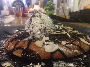 Foto - Makanan(Pancake Choco Almond) di Shae Cafe and Eatery oleh Reymond Kukus