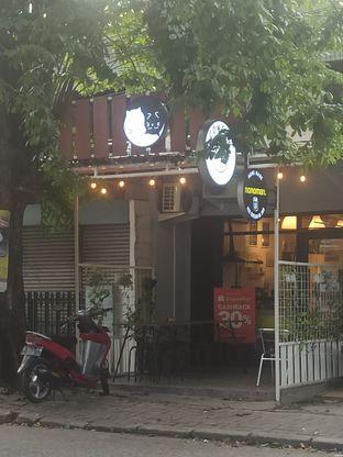 Foto 6 - Eksterior di Cowcat Coffee & Toast oleh Rachmat Kartono