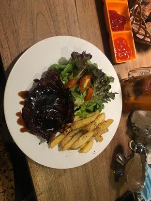 Foto review OZT Cafe Steak & Ribs oleh Dyah Ranti 2