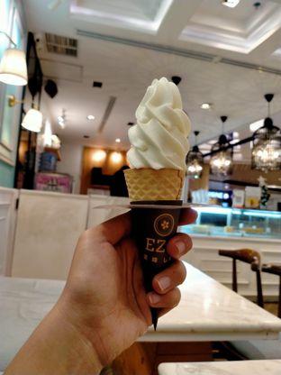 Foto 2 - Makanan di Ezo Hokkaido Cheesecake & Bakery oleh Widar Amani