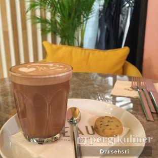 Foto 2 - Makanan(Mocha latte) di Beau oleh Darsehsri Handayani
