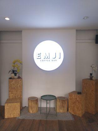 Foto 2 - Interior di Emji Coffee Bar & Space oleh Sari Cao