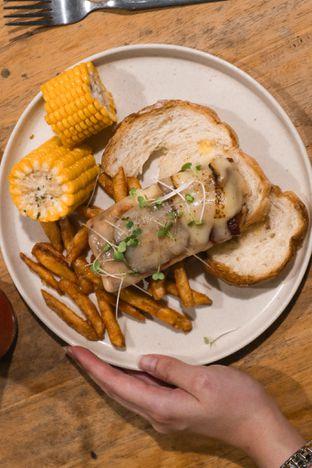 Foto 9 - Makanan di Twin House oleh thehandsofcuisine