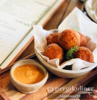 Foto 1 - Makanan(pork donuts) di Social Garden oleh Sienna Paramitha