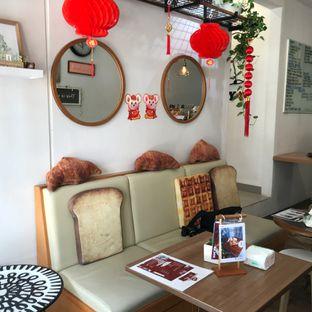 Foto 3 - Interior di Olive Tree House of Croissants oleh Della Ayu
